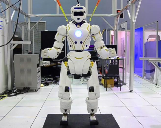 航天机器人